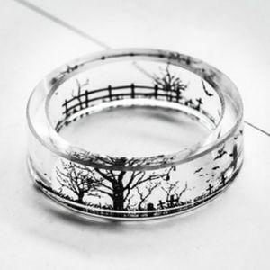 $⬇️ NEW Clear Resin Spooky Tree Scene Ring sz7